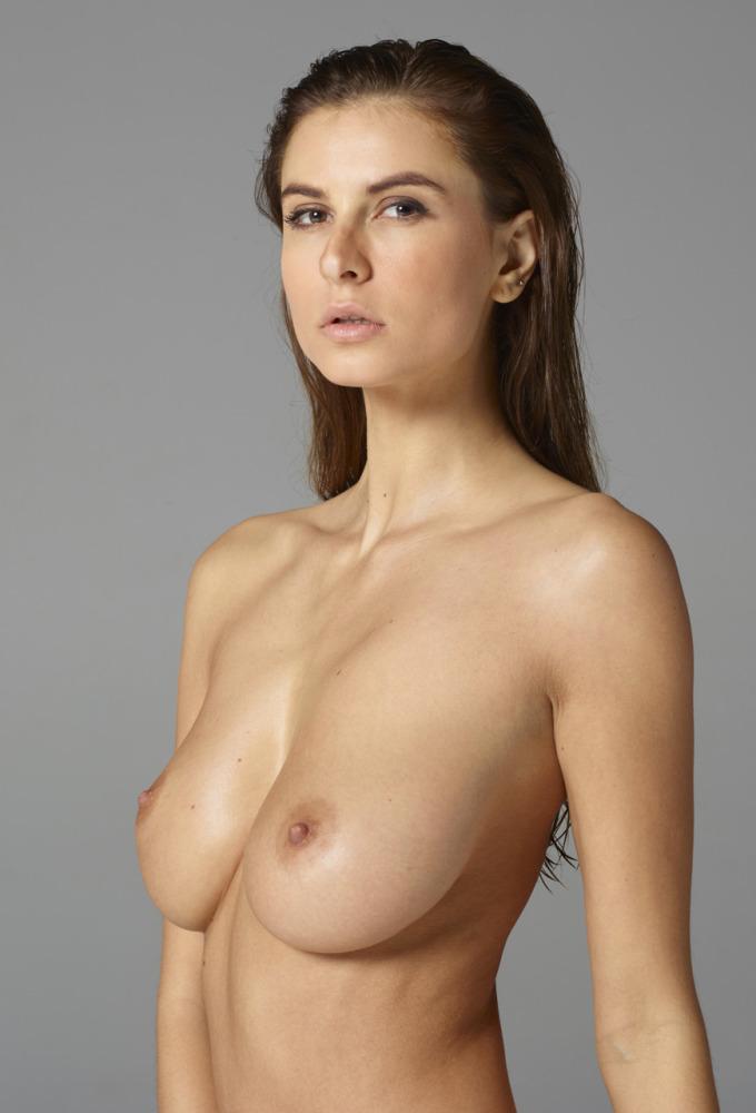 Zimny nude alexandra Model Alexandra
