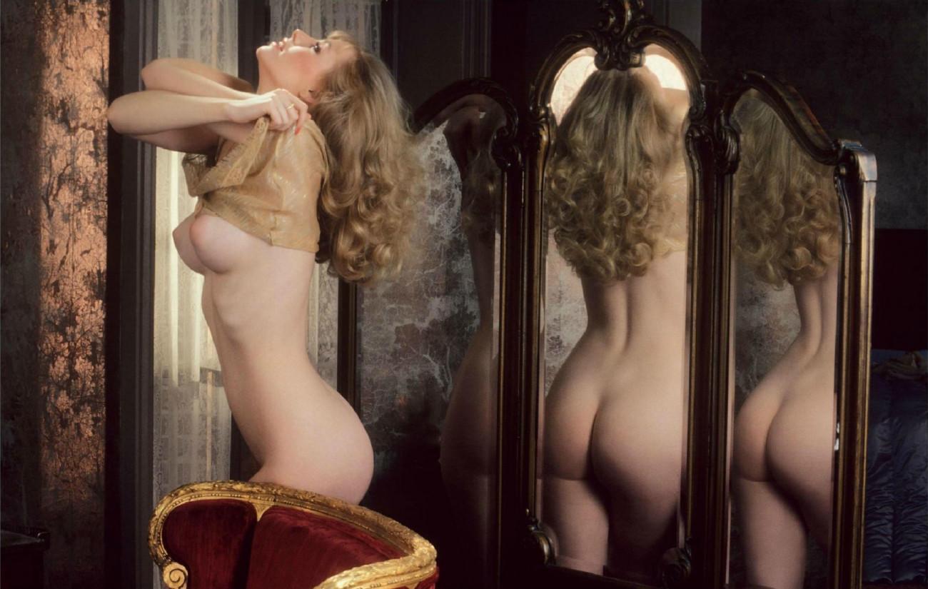 Elizabeth Di Prinzio  nackt